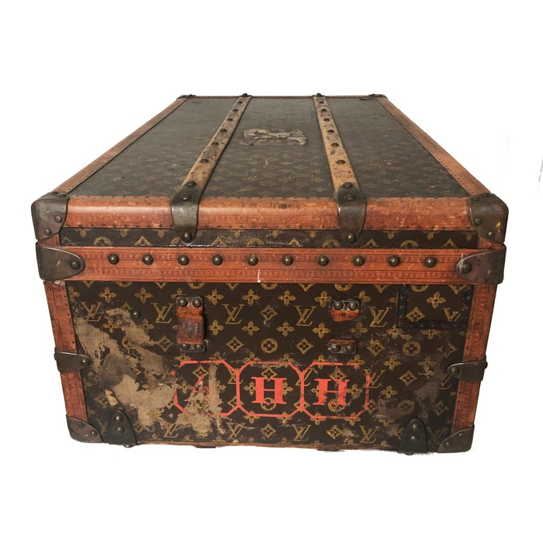 Vintage Louis Vuitton Cabin Trunk with Insert Monogram Canvas 1960s Saks 5th Ave In Fair Condition For Sale In Port Saint Lucie, FL