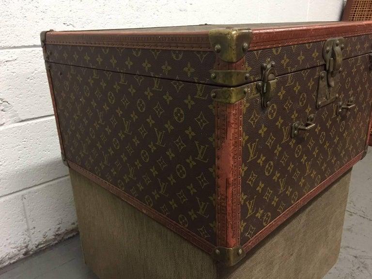 Mid-20th Century Vintage Louis Vuitton Hat Box For Sale