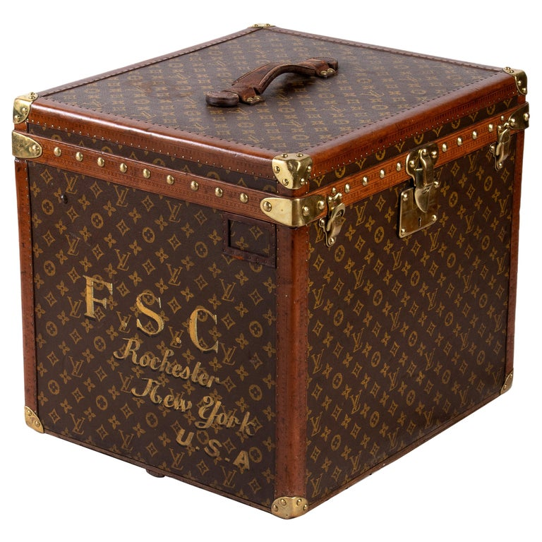 Vintage Louis Vuitton Trolley Hatbox, 1920s For Sale
