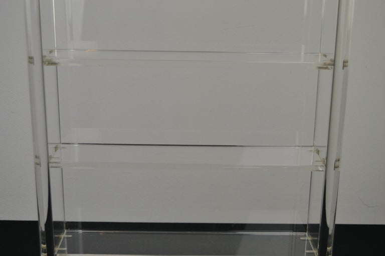 Vintage Lucite Wall Rack or Open Showcase In Good Condition For Sale In Antwerp, BE