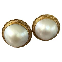 Vintage Mabe Pearl 14 Karat Yellow Gold Clip On Earrings