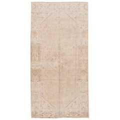 "Vintage Mahal with Muted Neutral Tones Wool Rug. 5'1""x10'6"""