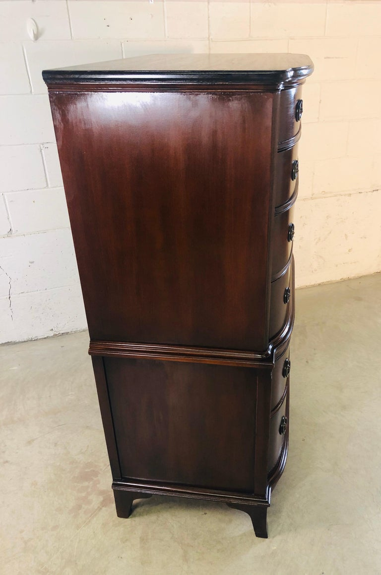 Vintage Mahogany Curved Front Federal Style Tall Dresser For Sale 8