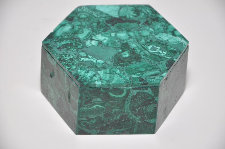 Vintage malachite natural gemstone green jewelry box  Vintage natural malachite gemstone jewelry box, hand carved by an artisan maker, in great condition. Opaque, green, patterned, mineral crystal. A copper based stone, which resonates strongly
