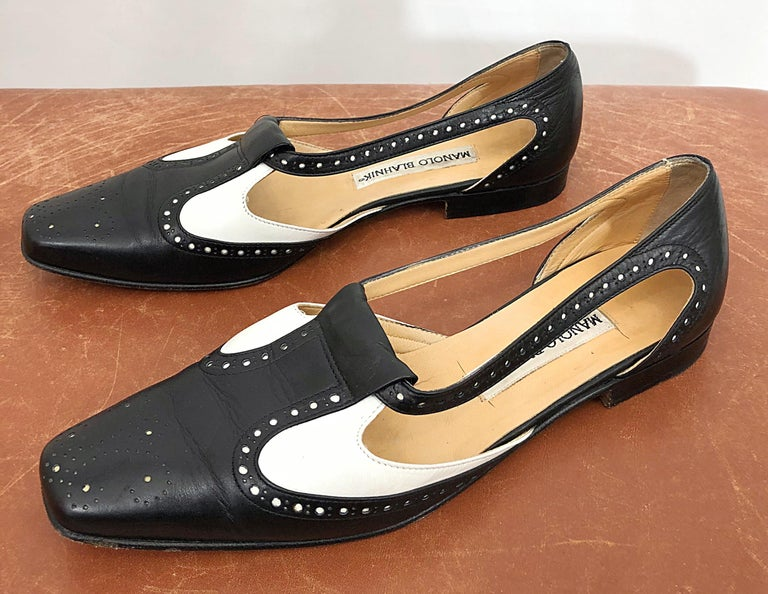 Women's Vintage Manolo Blahnik Size 38.5 / 8.5 Black and White Spectator Flats / Shoes For Sale