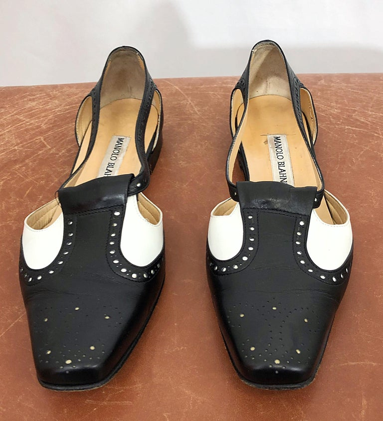 Vintage Manolo Blahnik Size 38.5 / 8.5 Black and White Spectator Flats / Shoes For Sale 1