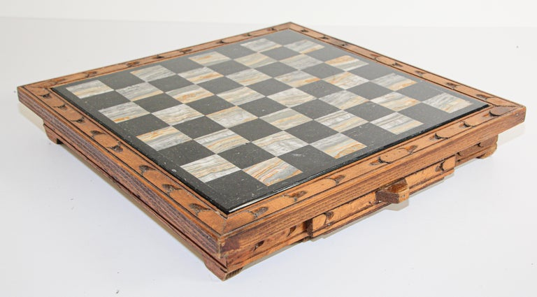 Vintage Marble Chess Board with Hand Carved Black and White Onyx Chess Pieces 1