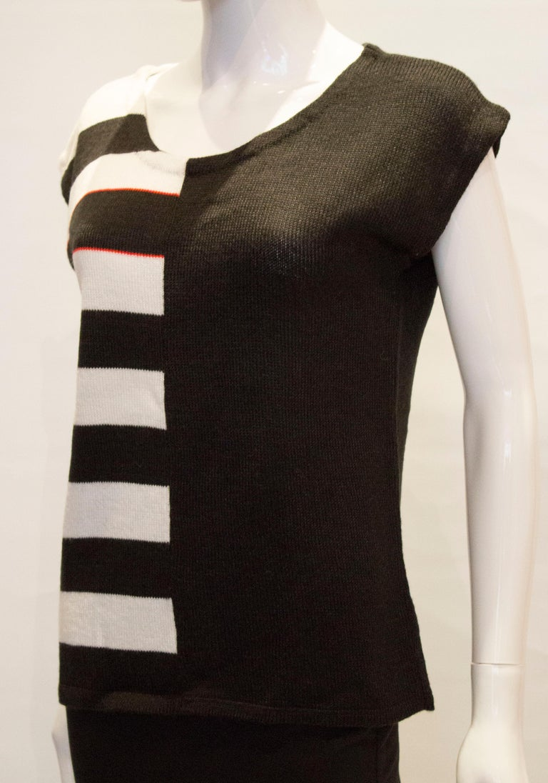 Women's Vintage Mary Quant Black and White Knitted Top For Sale