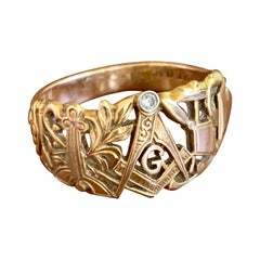 Vintage Masonic 14 Karat Yellow Gold Ring with Diamond Accent