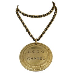 Vintage Massive 1994 CHANEL Coco Medallion Leather Chain Necklace