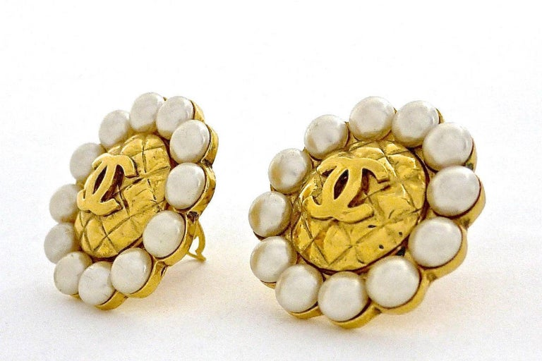 Women's Vintage Massive CHANEL Quilted CC Logo Pearl Earrings For Sale