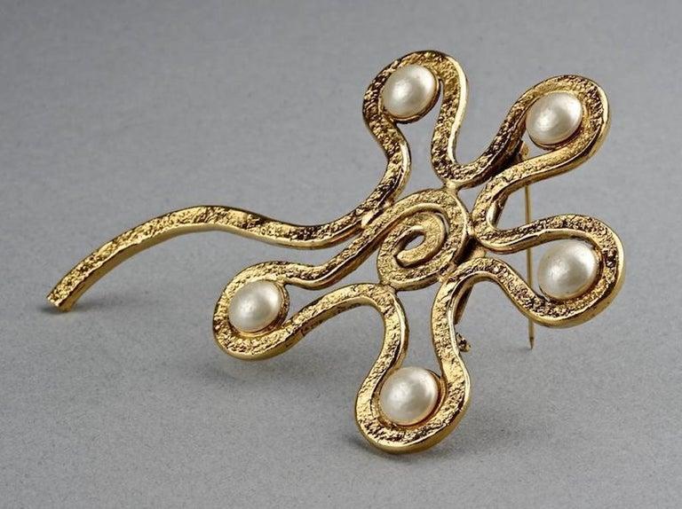 Vintage Massive CHANEL Spiral Flower Pearl Brooch For Sale 1