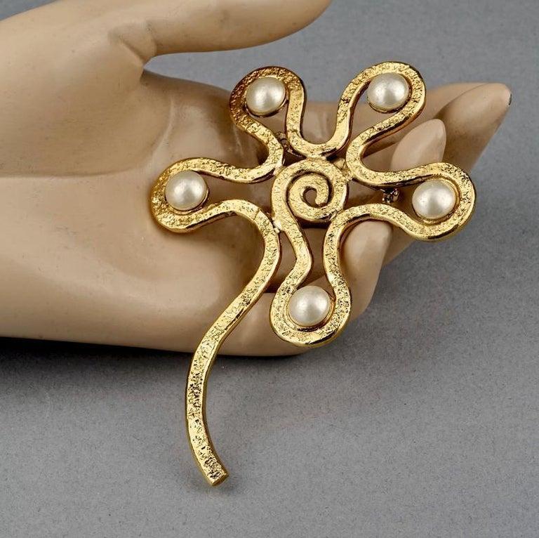 Vintage Massive CHANEL Spiral Flower Pearl Brooch For Sale 3