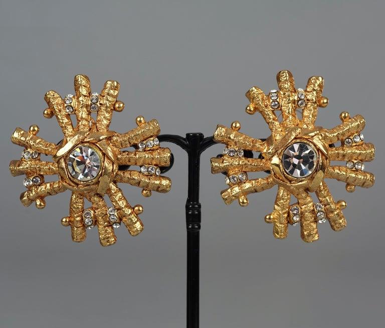 Vintage Massive CHRISTIAN LACROIX Sunburst Rhinestone Earrings In Excellent Condition For Sale In Kingersheim, Alsace