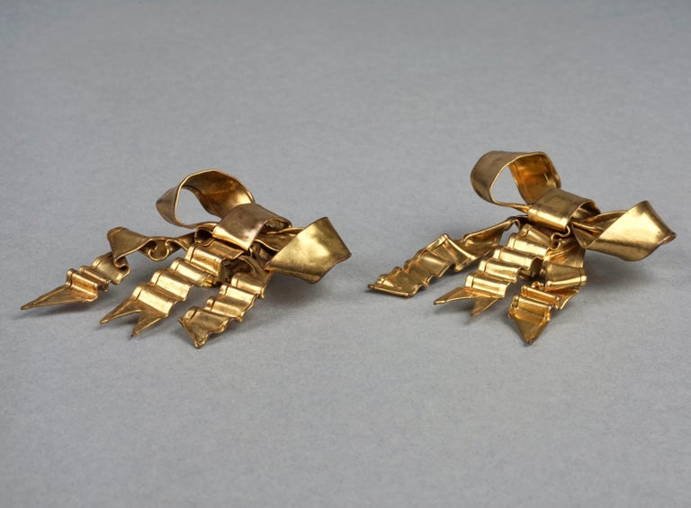 Vintage Massive PATRICK RETIF French Ribbon Earrings In Good Condition For Sale In Kingersheim, Alsace