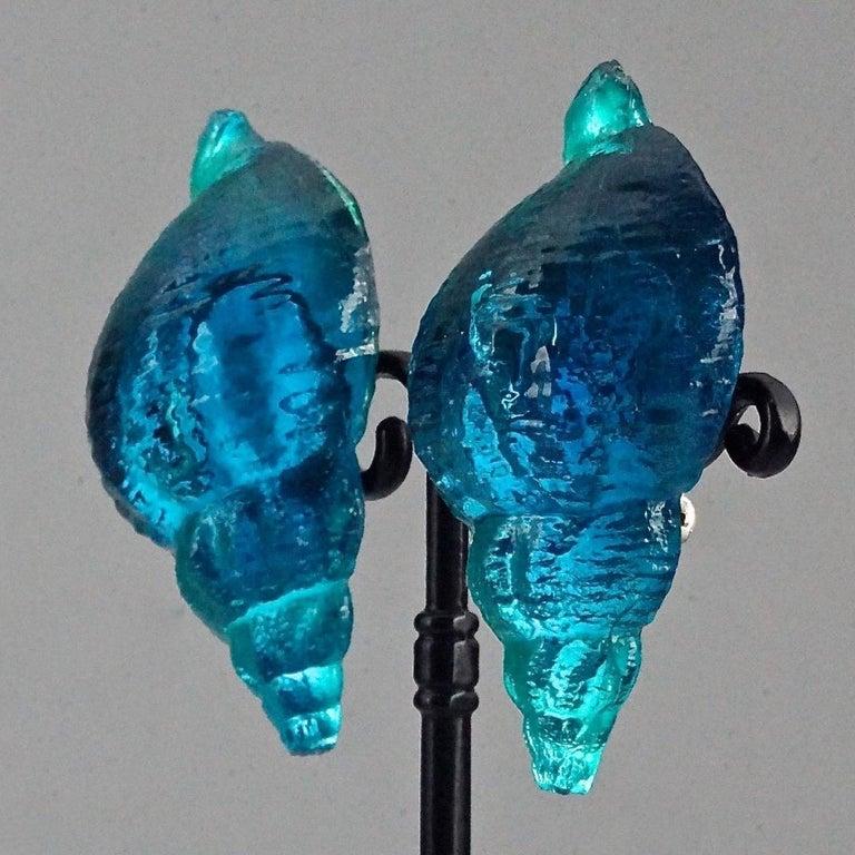 Vintage Massive ROCHAS PARIS Sea Shell Lucite Earrings For Sale 5