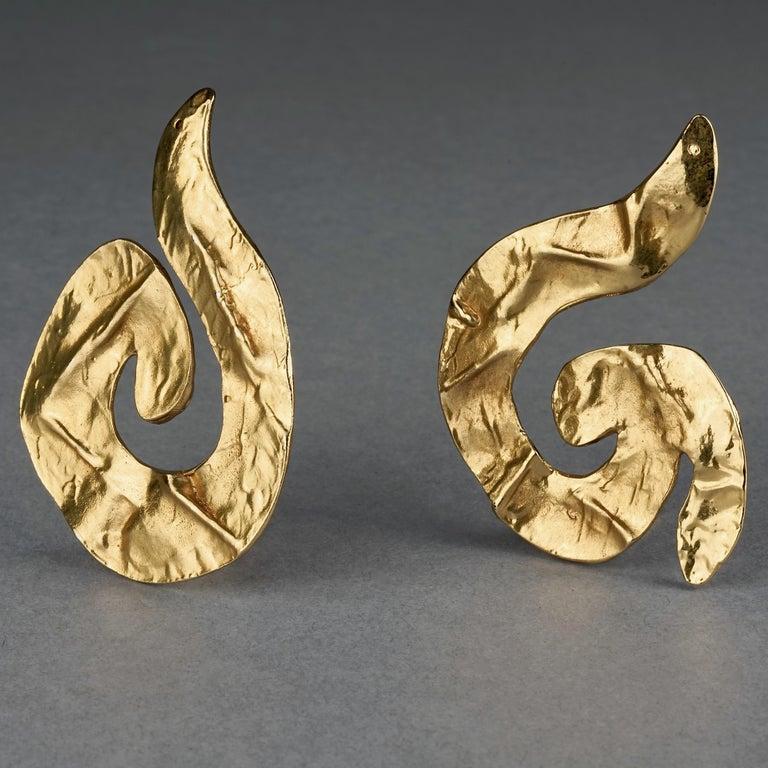 Women's Vintage Massive YVES SAINT LAURENT Ysl Asymmetric Wrinkled Spiral Earrings For Sale
