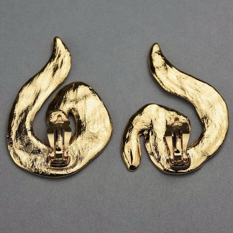 Vintage Massive YVES SAINT LAURENT Ysl Asymmetric Wrinkled Spiral Earrings For Sale 5