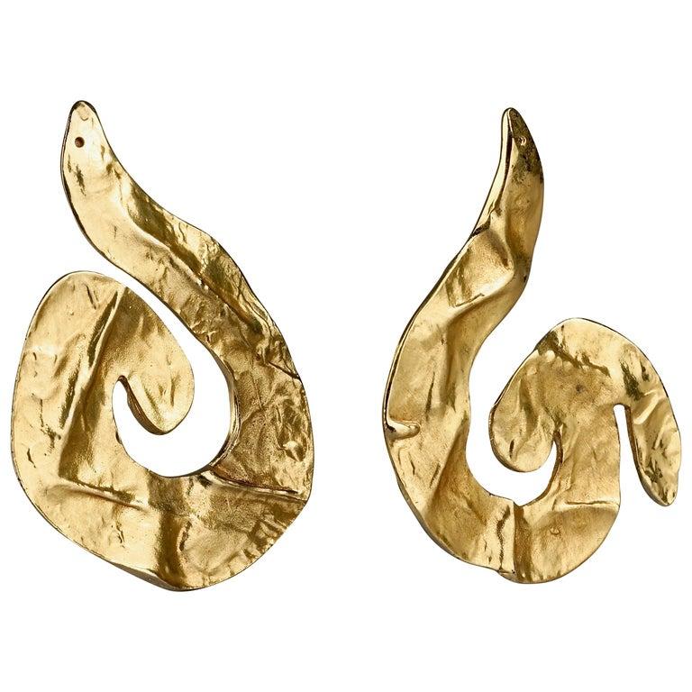 Vintage Massive YVES SAINT LAURENT Ysl Asymmetric Wrinkled Spiral Earrings For Sale