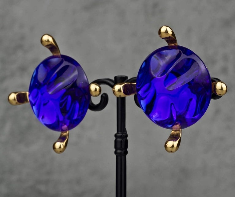 Vintage Massive YVES SAINT LAURENT Ysl Blue Glass Cabochon Earrings In Excellent Condition For Sale In Kingersheim, Alsace