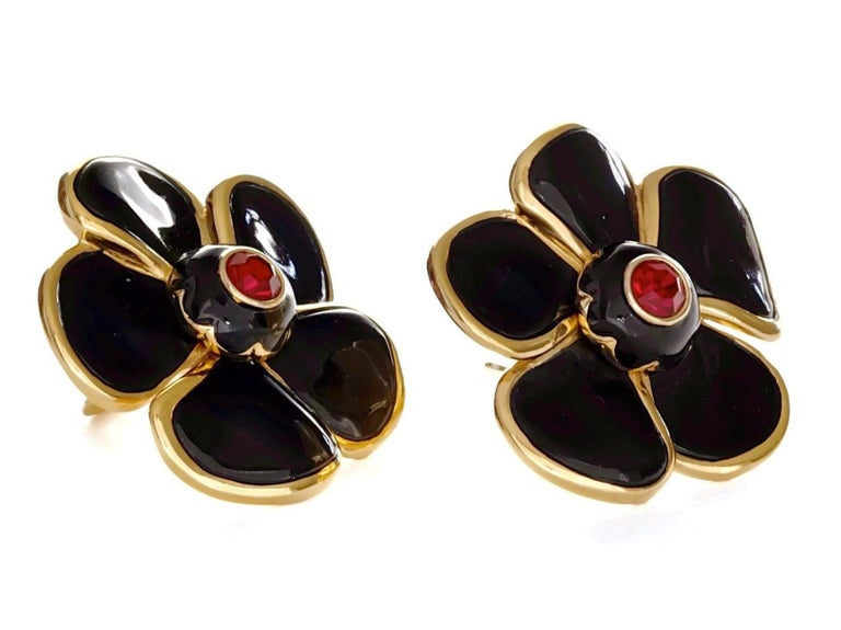 Vintage Massive YVES SAINT LAURENT Ysl Flower Enamel Rhinestone Earrings In Excellent Condition For Sale In Kingersheim, Alsace