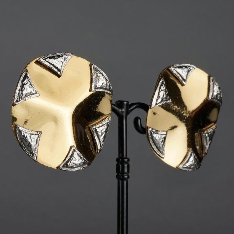 Vintage Massive YVES SAINT LAURENT Ysl Flower Ridged Disc Two Tone Earrings For Sale 2
