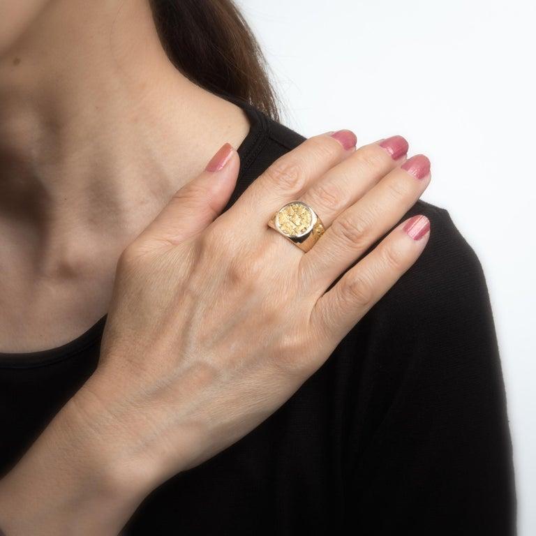 Vintage Men's Gold Nugget Ring Round Signet 10 Karat Estate Fine Jewelry For Sale 1