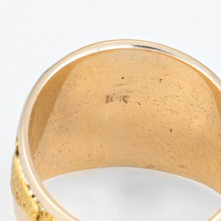 Vintage Men's Gold Nugget Ring Round Signet 10 Karat Estate Fine Jewelry For Sale 2