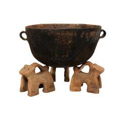 Vintage Mexican Mole Cooking Pot with 'Fire-Dog' Feet