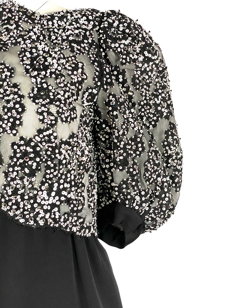 Vintage MICHAEL NOVARESE Black and White Sequin Silk Evening Dress Size Small In Excellent Condition For Sale In  Beverly Hills, CA