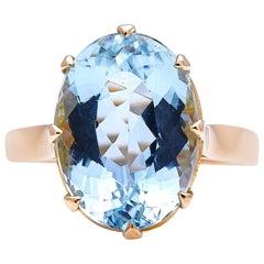 Vintage, Midcentury, 18 Carat Gold, Single Stone Aquamarine Ring