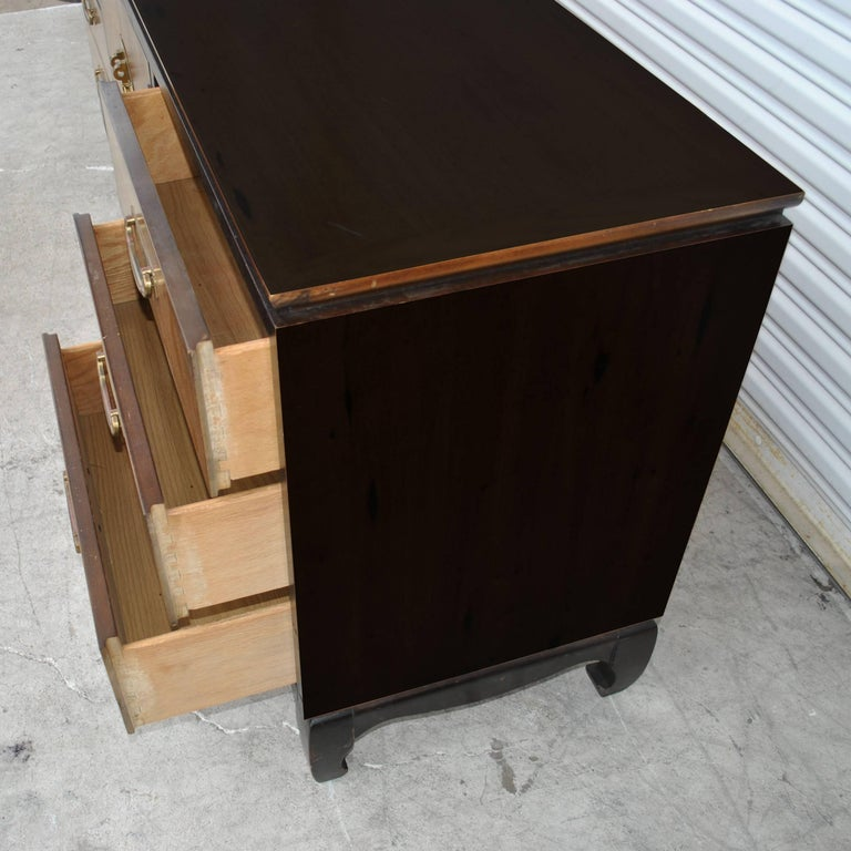 Vintage Midcentury Chin Hua Dresser by Lane In Good Condition For Sale In Pasadena, TX