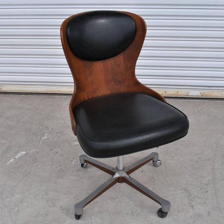 Vintage mid century George Mulhauser Plycraft task chair