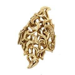 Vintage Midcentury Heavy 14 Karat Yellow Gold Ring