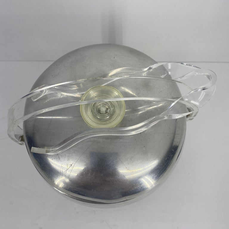 Vintage Mid-Century Modern Aluminum and Lucite Ice Bucket and Tongs For Sale 5