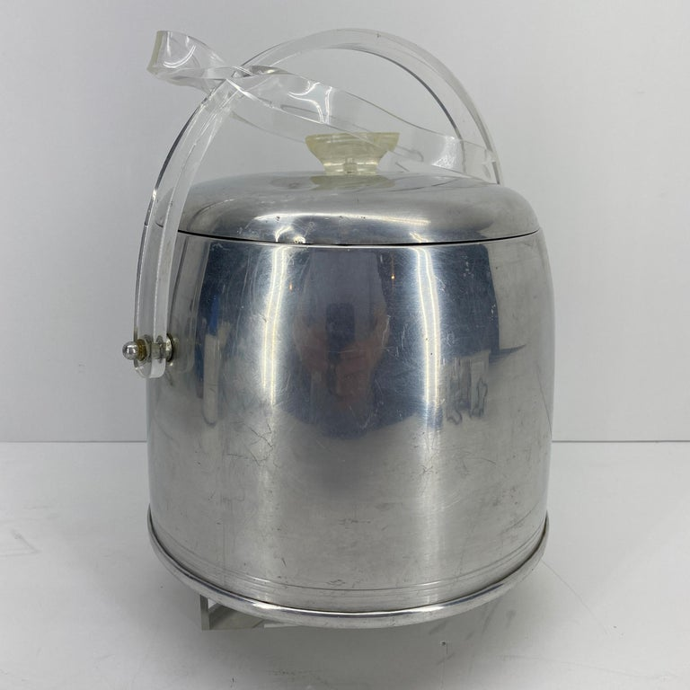 Vintage Mid-Century Modern Aluminum and Lucite Ice Bucket and Tongs For Sale 7