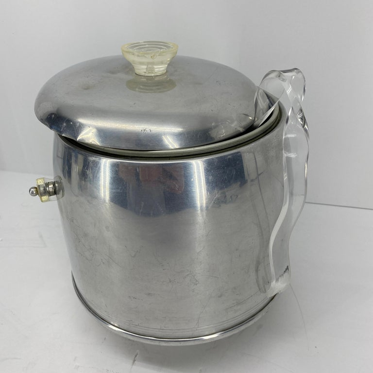 Vintage Mid-Century Modern Aluminum and Lucite Ice Bucket and Tongs For Sale 2