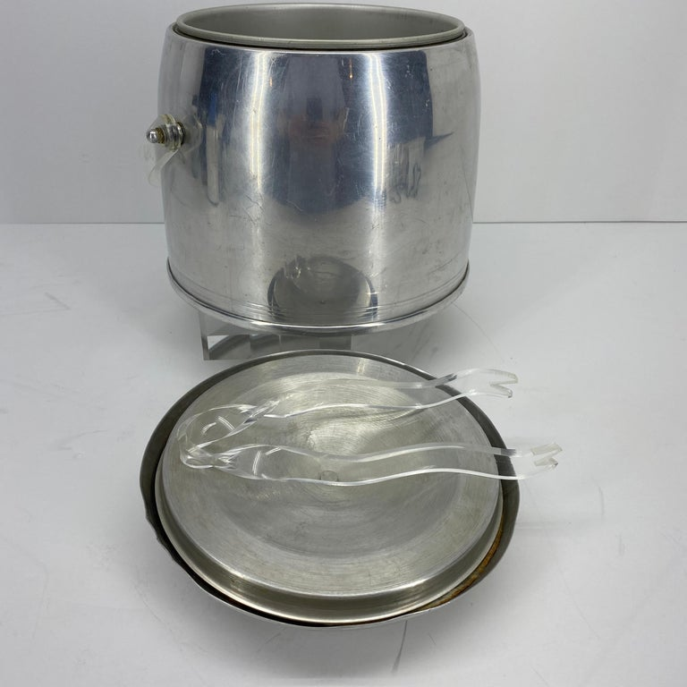 Vintage Mid-Century Modern Aluminum and Lucite Ice Bucket and Tongs For Sale 4