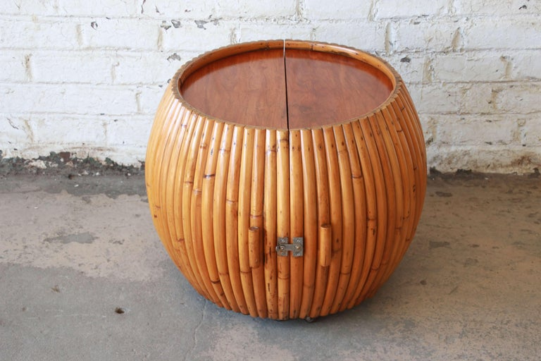 Vintage Mid-Century Modern Bamboo Dry Bar End Table For Sale 2