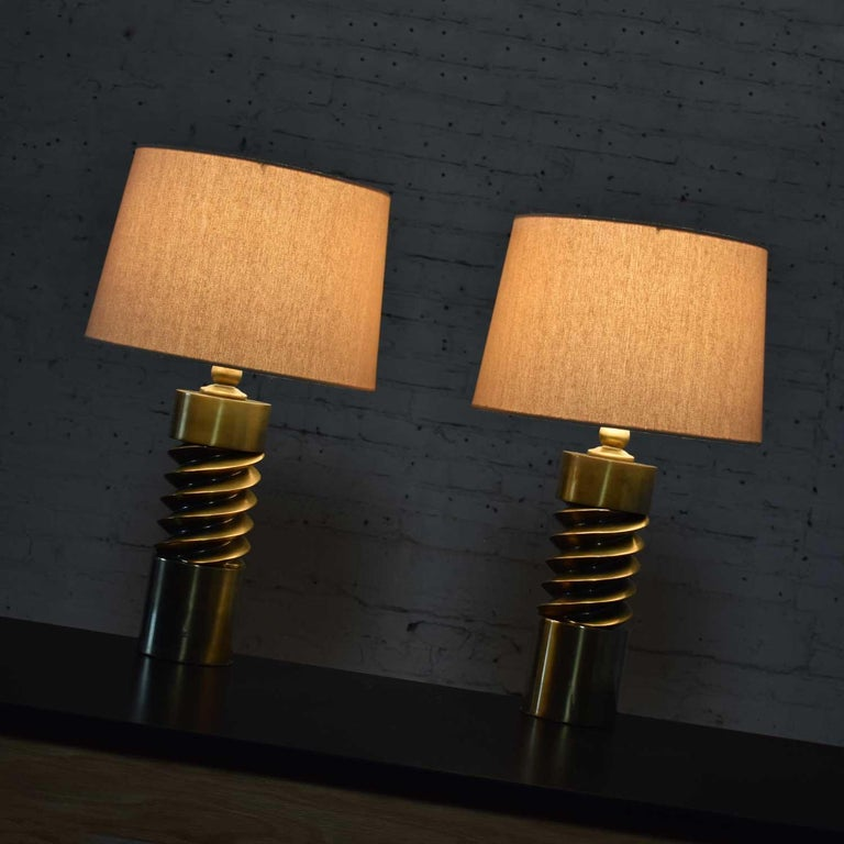 20th Century Vintage Mid-Century Modern Brass Plated Corkscrew Table Lamps New Shades a Pair For Sale