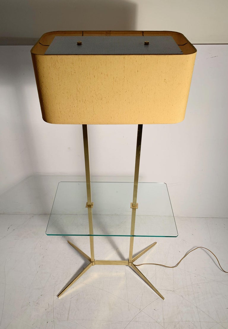 American Vintage Mid-Century Modern Brass Table Floor Lamp attributed to Stiffel For Sale