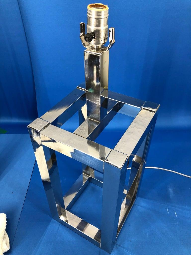 Vintage Mid-Century Modern Chrome Geometric Shaped Table Lamp For Sale 10