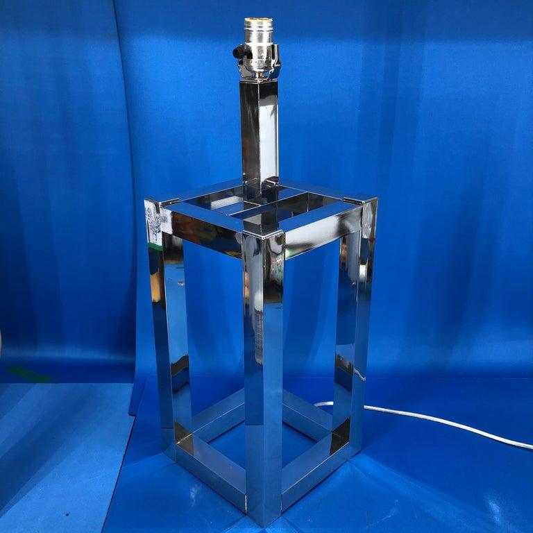 Vintage Mid-Century Modern Chrome Geometric Shaped Table Lamp For Sale 3