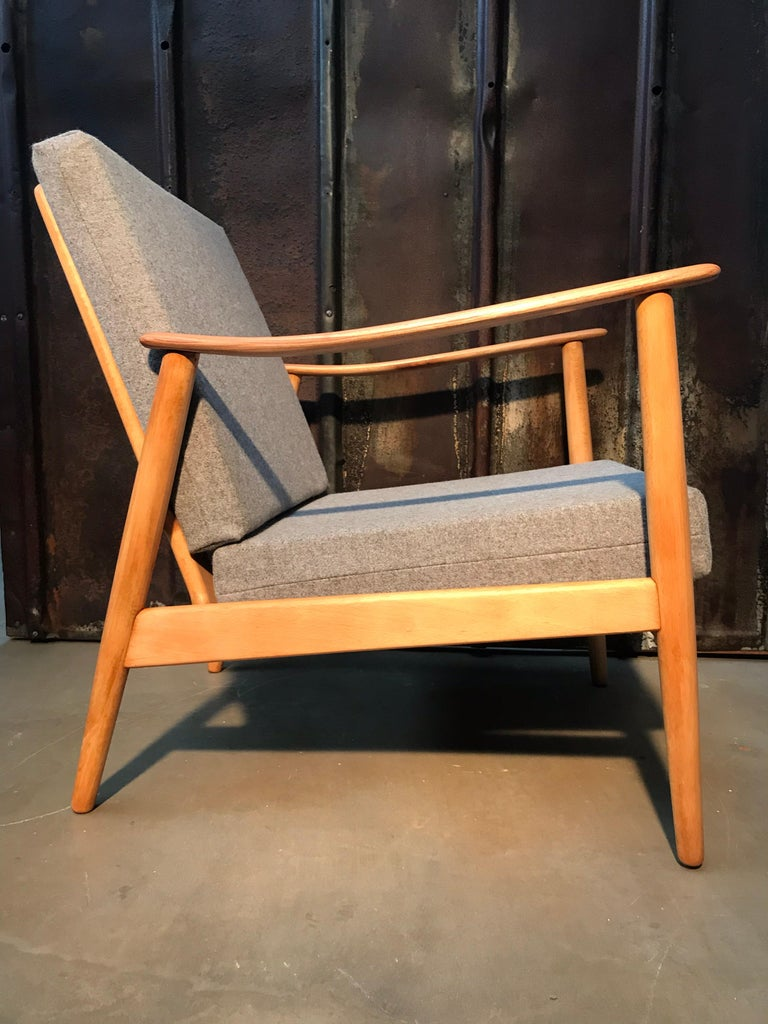 Hand-Crafted Vintage Mid-Century Modern Danish Easy Lounge Chair in Beechwood For Sale
