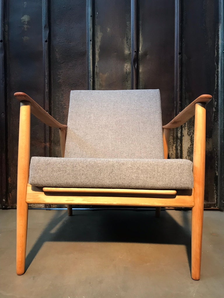 Vintage Mid-Century Modern Danish Easy Lounge Chair in Beechwood In Good Condition For Sale In Søborg, DK