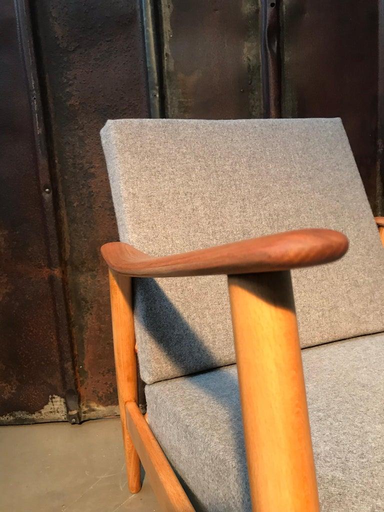 Vintage Mid-Century Modern Danish Easy Lounge Chair in Beechwood For Sale 4