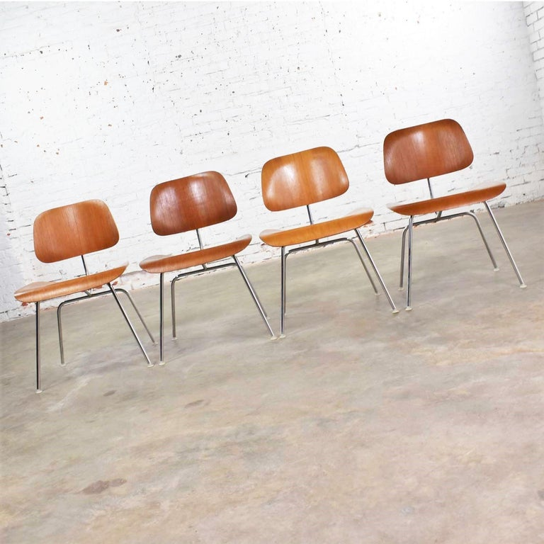 Vintage Mid-Century Modern Eames DCM Dining Chairs for Herman Miller Set of 4 For Sale 3