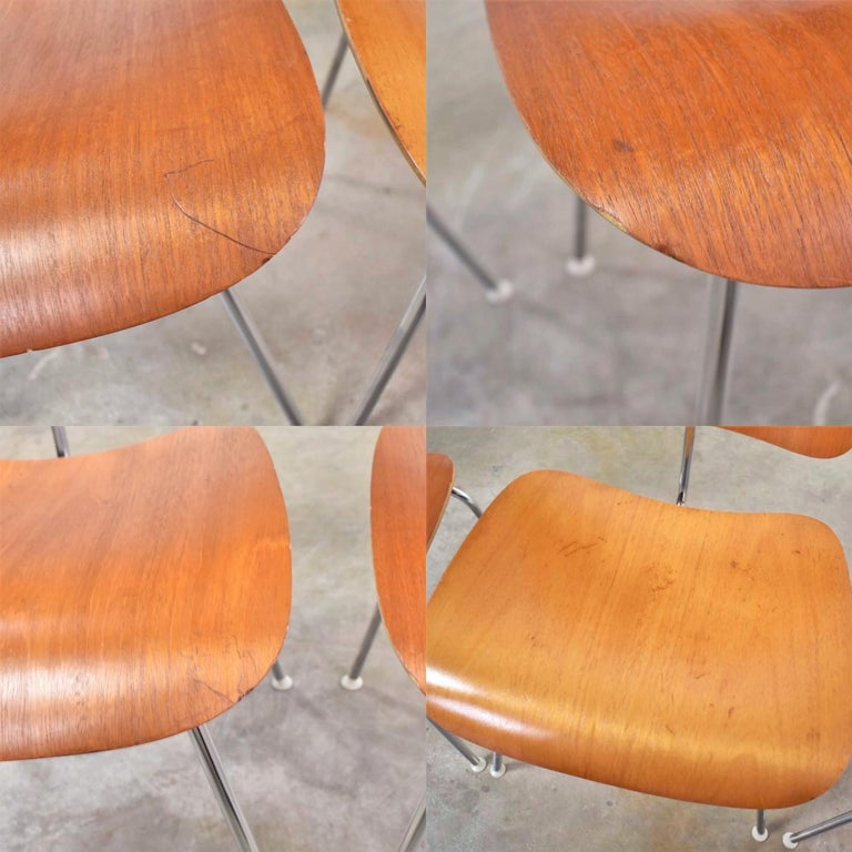Vintage Mid-Century Modern Eames DCM Dining Chairs for Herman Miller Set of 4 For Sale 10