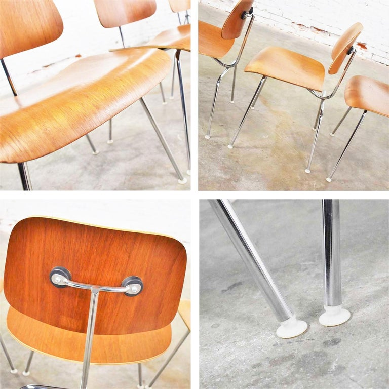 Vintage Mid-Century Modern Eames DCM Dining Chairs for Herman Miller Set of 4 For Sale 12