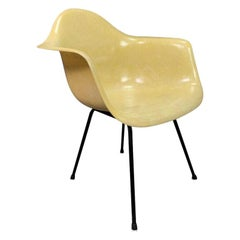 Vintage Mid-Century Modern Eames Fiberglass DAH Armchair by Zenith